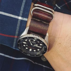 Vintage burnt faded G10 NATO strap in red. Loving this combo!